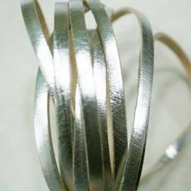 Cuero plano plata 5mm