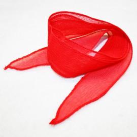 Seda en tiras roja