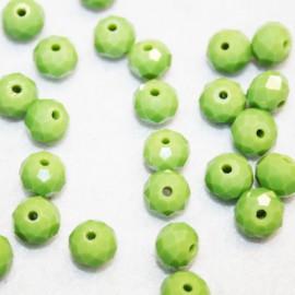 Cristal facetado verde oliva claro