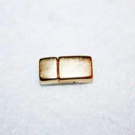 Cierre plano pequeño dorado