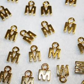 Letra M dorada