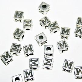Cubo letra M