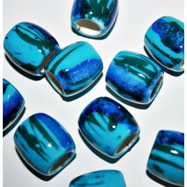 Cerámica tubular azul
