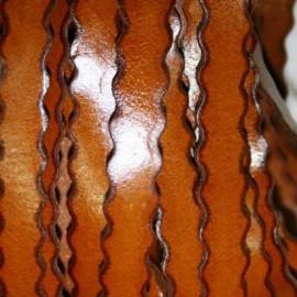 Cuero ondulado sintético