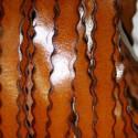 Cuero ondulado sintético coñac