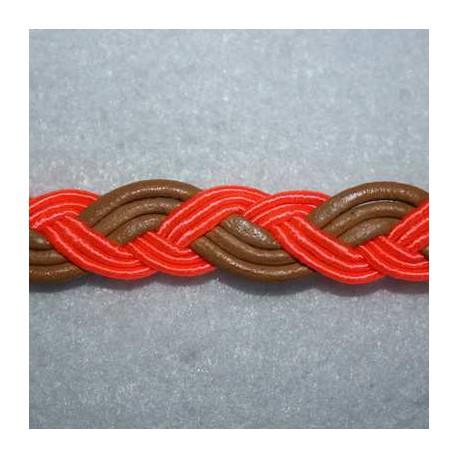 Cuero sintético y cordón naranja fluor. Se vende x medios metros