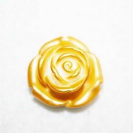 Rosa de resina mediana dorada