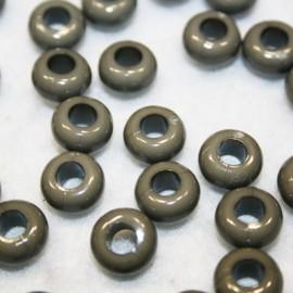 Cuenta de resina gris