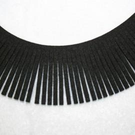 Cinta de antelina con flecos negro 28mm