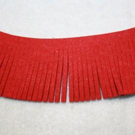 Cinta de antelina con flecos rojo 28mm