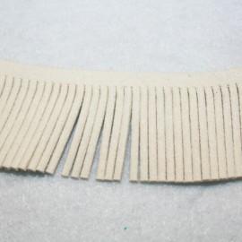 Cinta de antelina con flecos beige 28mm