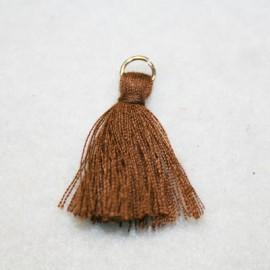 Borla o pompón con anilla marrón
