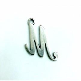 Letra mediana M