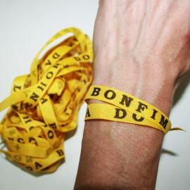 Cinta Senhor Bonfim amarilla