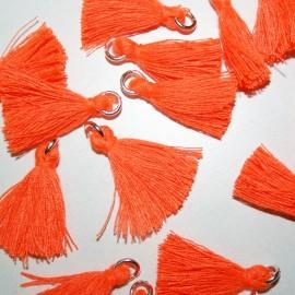 Borla o pompón con anilla naranja fluor