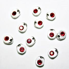 Charm pequeño con cristal de Swarovski rojo
