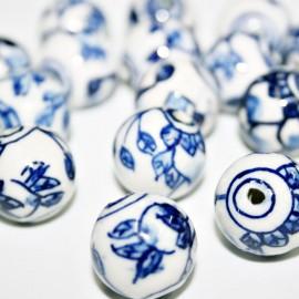 Cerámica blanca diseño en azul, flor