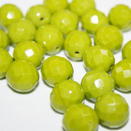 Facetada checa 12mm verde pistacho mate