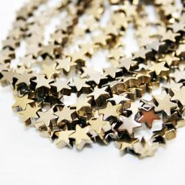 Estrellas metalizadas doradas x 40 unidades