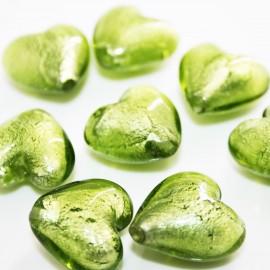 Cristal corazón con pan de plata verde oliva