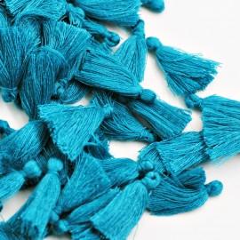 Borla o pompón pequeño azul medio