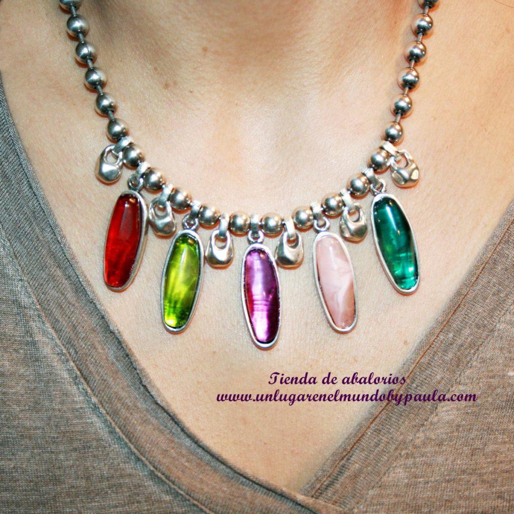 Collar_Corto_Resinas de colores_img_6097_foto