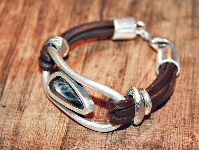 993beb163fd7 Nuevas resinas. Nuevos modelos de pulseras.... – Un lugar en el ...