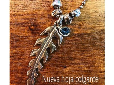 Collar_hoja_grande_Colgante_cristal_Swarovski_foto