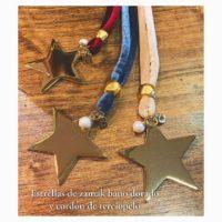 Collares con Estrellas de zamak doradas y cordón de terciopelo